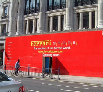..ferrari_london_dibond_printed_hoarding